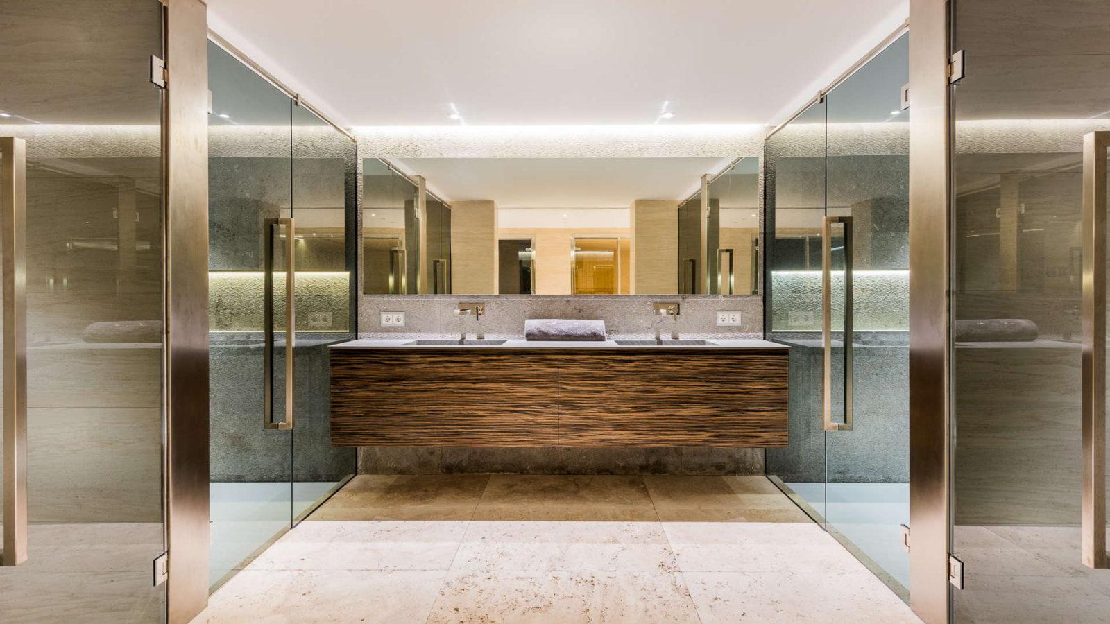 Ремонт элитной ванной комнаты в коттедже